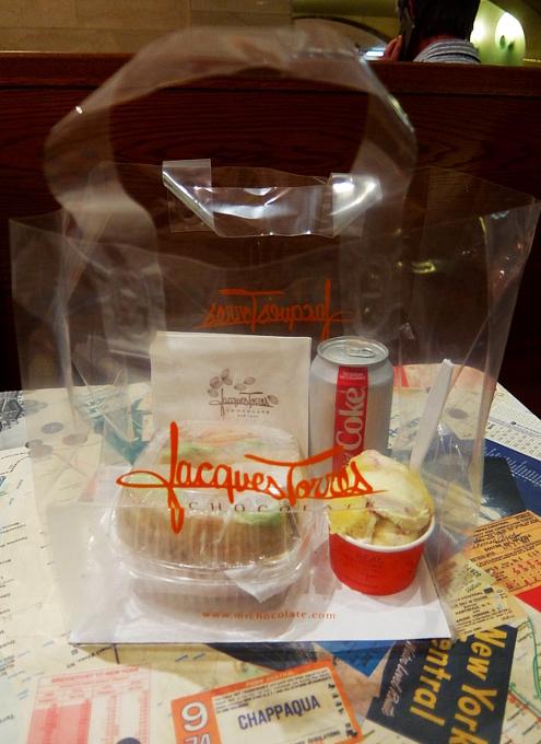 NYの有名店でアイス、コーラ、ローストビーフ・サンド、全部でいくら? Jacques Torres Ice Cream_b0007805_02495654.jpg