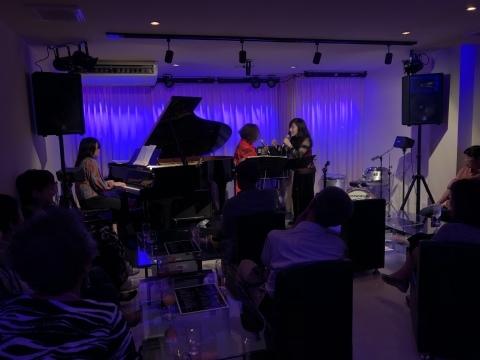 広島 ジャズライブ カミン  Jazzlive Comin本日日曜日は 福富町で演奏します。_b0115606_11375325.jpeg