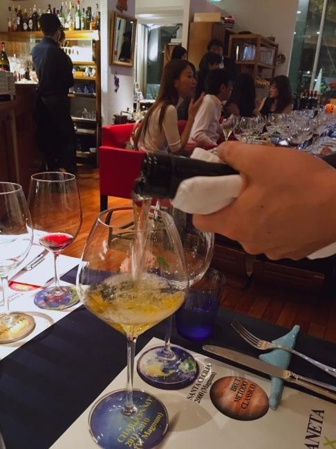 シチリアワインのプラネタ社×赤坂スコリエーラ_d0041729_18101306.jpg