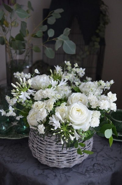 白い花のコンポジション_e0366442_15530128.jpg