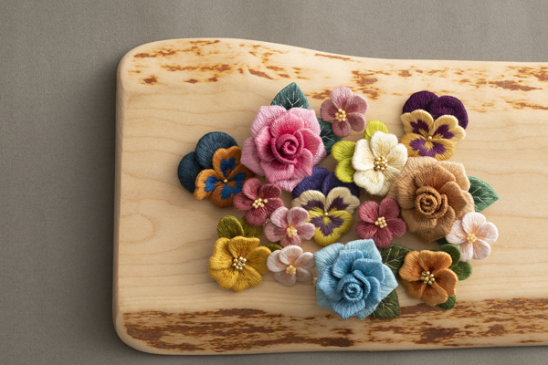 NHKすてきにハンドメイド作品~オフフープ®立体刺繍のシロツメクサ~_e0333647_15143738.jpg