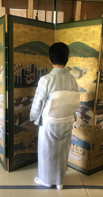 ランチ会・野村エミさん縞小紋にまいづる夏帯・明日臨時休業。_f0181251_11215761.jpg