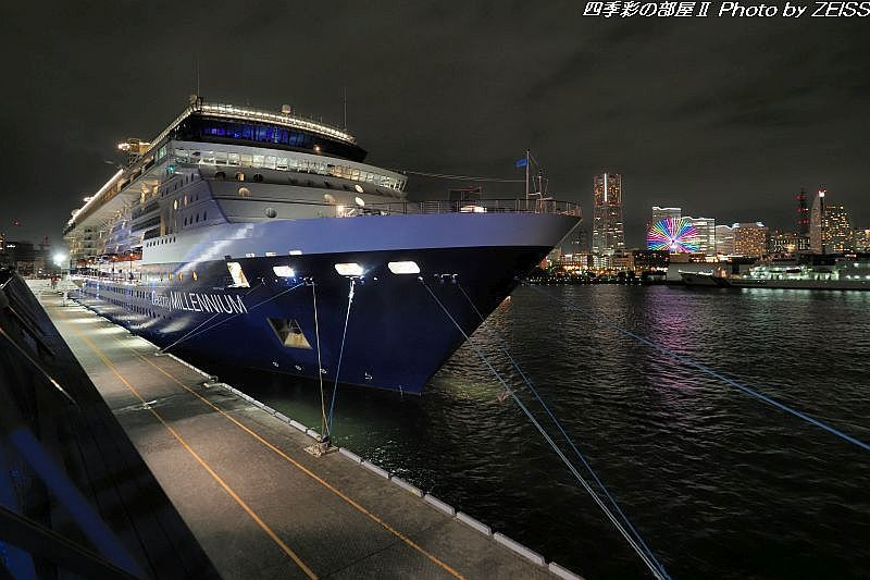夜の横浜港_d0358854_09572376.jpg