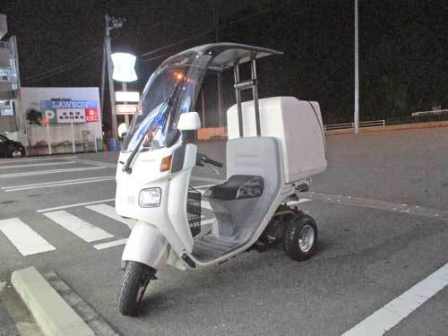 屋根付き3輪車(笑) ジャイロキャノピーのタイヤ交換・・・(^^♪_c0086965_17114200.jpg
