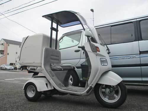 屋根付き3輪車(笑) ジャイロキャノピーのタイヤ交換・・・(^^♪_c0086965_17242179.jpg