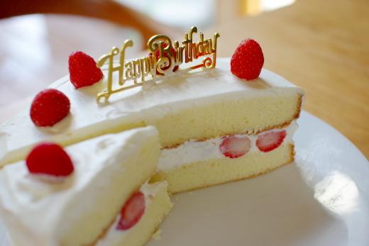 立科町のいちごでバースデーケーキを作る_c0110869_12421248.jpg