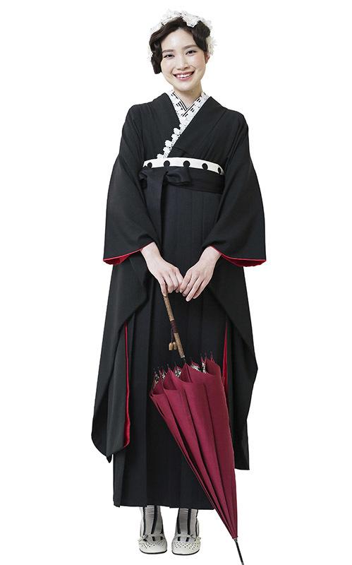 黒無地着物×黒袴 スタイリッシュな卒業式袴がかっこいいです。_b0098077_15164868.jpg