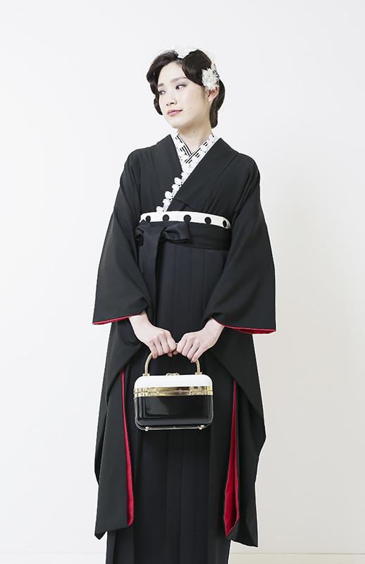 黒無地着物×黒袴 スタイリッシュな卒業式袴がかっこいいです。_b0098077_15165398.jpg