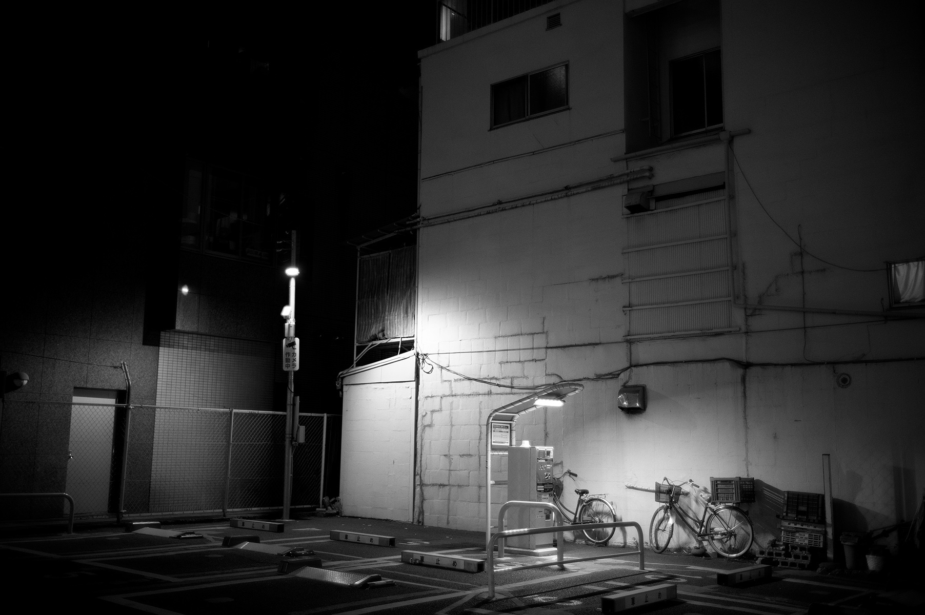 夜の居場所_f0121181_04134499.jpg