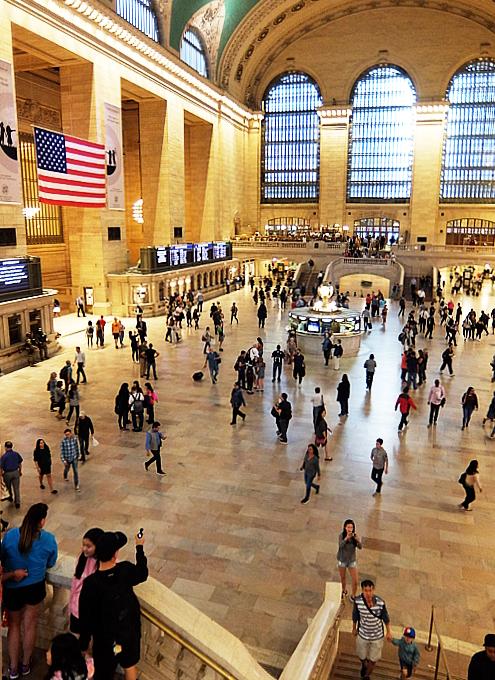 グランド・セントラル駅の中央広場の風景_b0007805_04150130.jpg