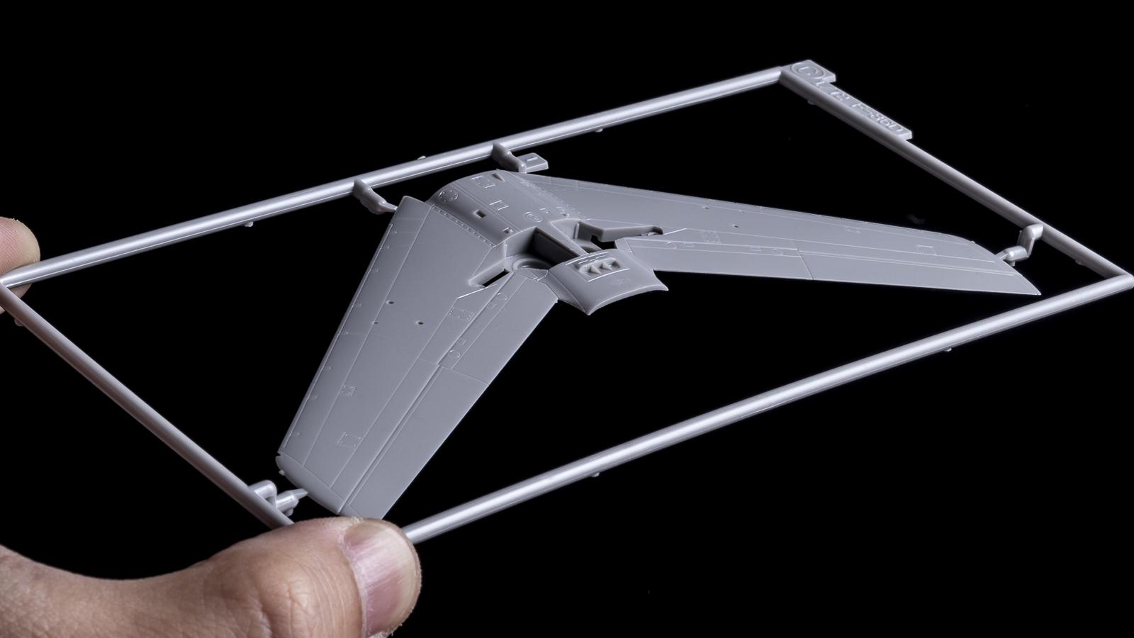 飛行機プラモの合わせ目、横から見たら見えない説_b0029315_16450345.jpg