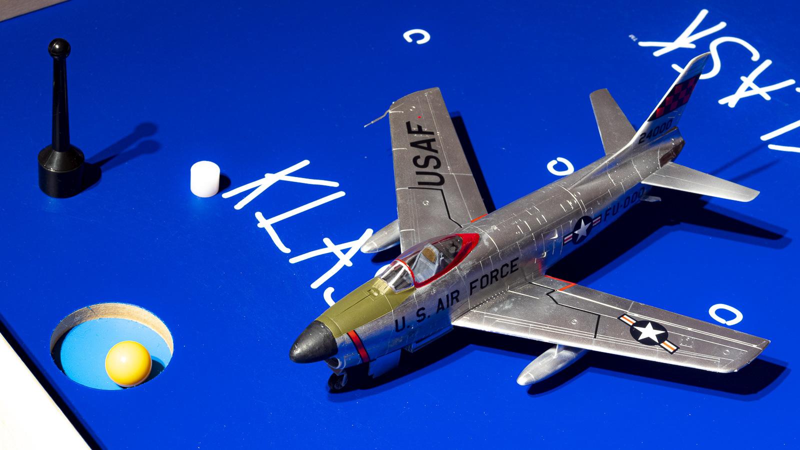 飛行機プラモの合わせ目、横から見たら見えない説_b0029315_16450428.jpg