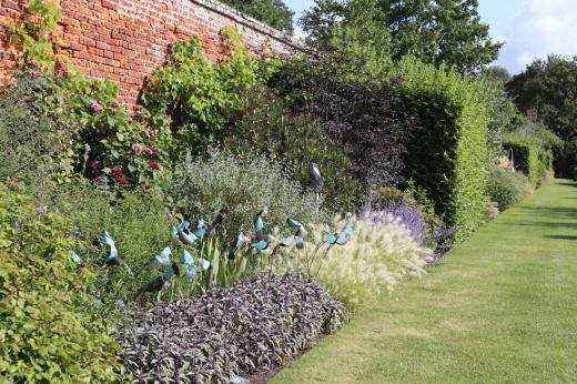 イギリスの旅2日目 ガーデンツアー 1日目 Marks Hall Estateなど_e0194723_14112104.jpg