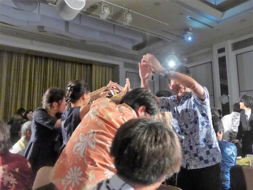 珍しい沖縄式の結婚式に出席させてもらった話_f0232060_12362892.jpg