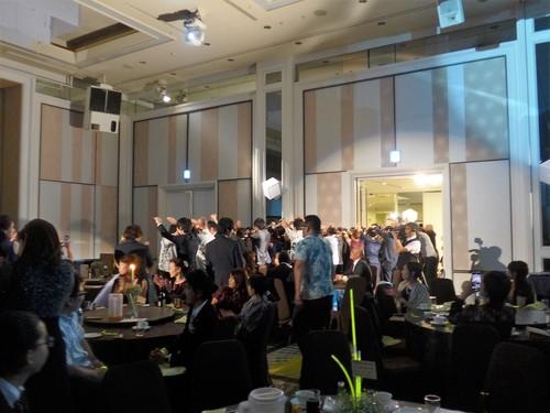 珍しい沖縄式の結婚式に出席させてもらった話_f0232060_12363795.jpg