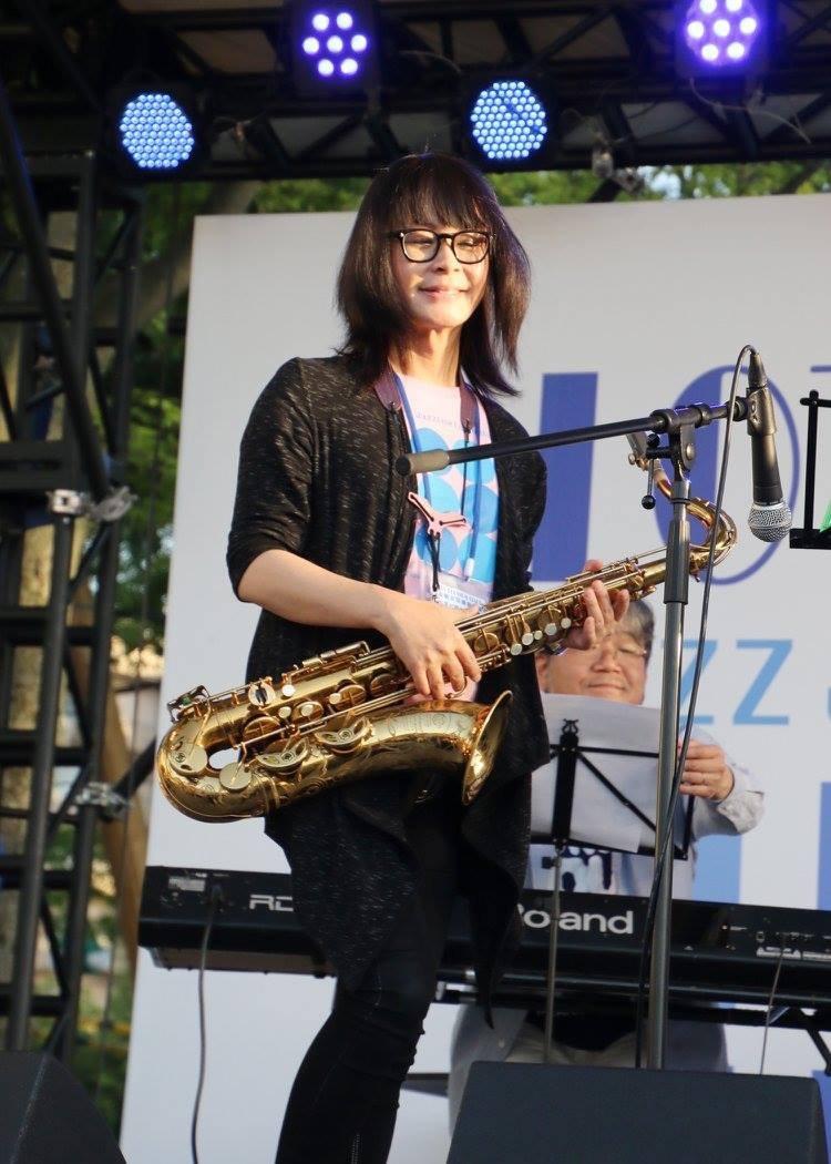 広島 Jazzlive Comin ジャズライブ カミン 本日9月24日火曜日のライブ_b0115606_12091856.jpeg