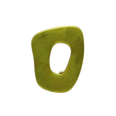身につける漆 漆のアクセサリー ブローチ ポルト ピスタチオ色 坂本これくしょんの艶やかで美しくとても軽い和木に漆塗りのアクセサリー SAKAMOTO COLLECTION wearable URUSHI accessories brooch Porto pistachio green 艶やかに美しい香りたつようなヨーロピアンテイストの格調あるグリーン色、フランス語で入り口を意味するポルトは線画のようなシンプルでユニークなフォルム、中央に空間があるため空間から洋服がのぞきコーディネートの一体感が楽しめます。 #ブローチ #ポルト #ピスタチオグリーン #グリーンブローチ #brooch #Porto #PistachioGreen #PistachioColor #jewelry #ショップチャンネル