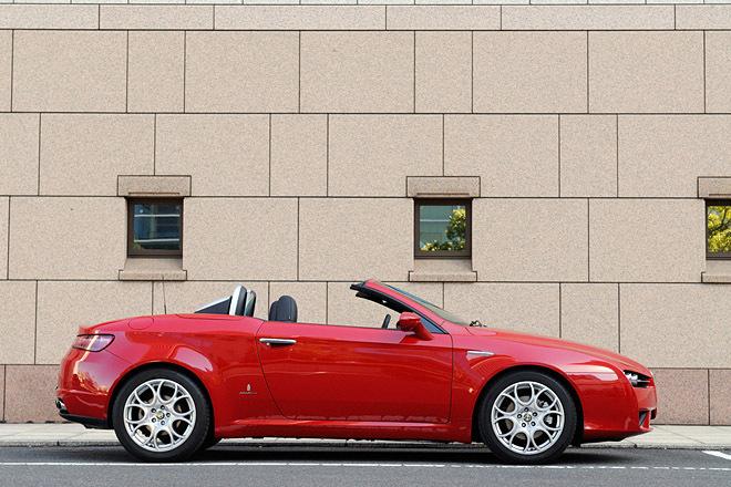 alfa romeo にみる現代の車と70年代の車の美しさの違い_a0129711_19002227.jpg