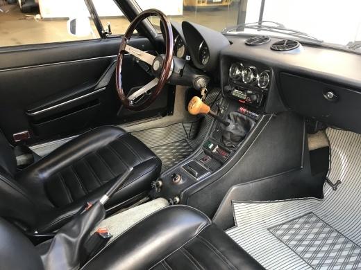 alfa romeo にみる現代の車と70年代の車の美しさの違い_a0129711_19172696.jpg