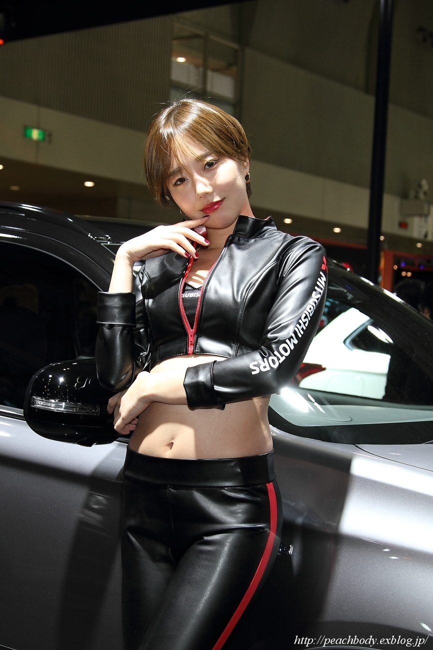 大塚歩美 さん(三菱自動車 ブース)_c0215885_22190689.jpg