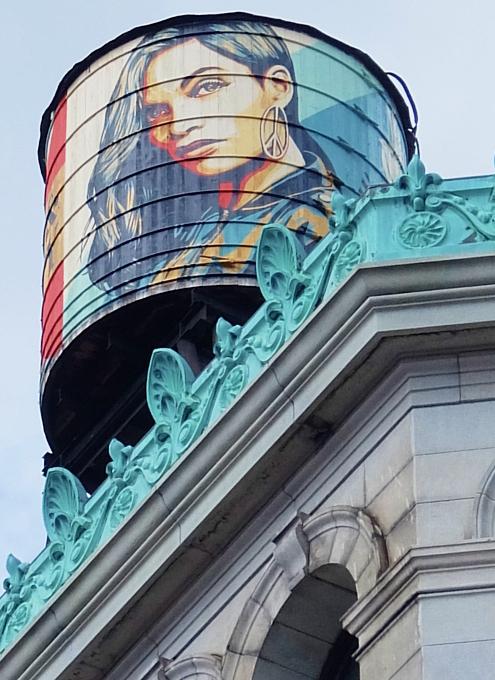 Supreme(シュプリーム)1号店の移転先はドキュメンタリー映画になるほどの歴史的建造物_b0007805_08583830.jpg