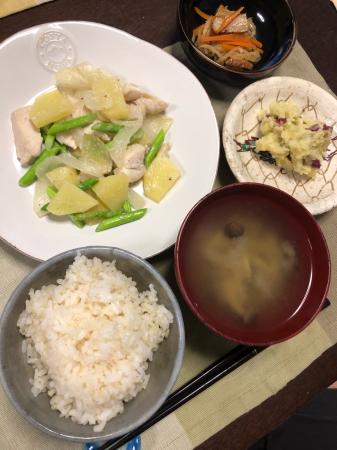 鶏肉とアスパラの炒め物_d0235108_21105535.jpg