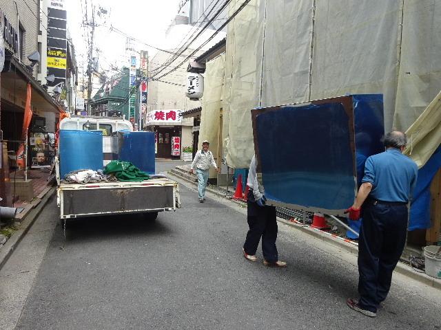 中央通り 居酒屋「茶の間」様 大工工事進行中!_f0105112_04294378.jpg