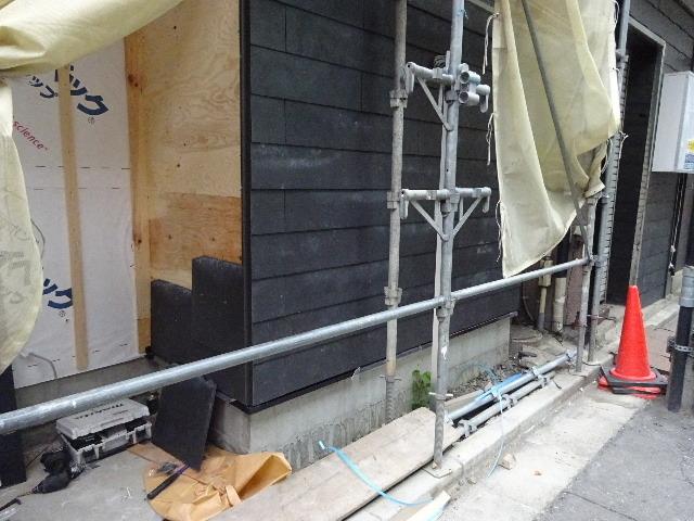 中央通り 居酒屋「茶の間」様 大工工事進行中!_f0105112_04350865.jpg