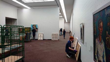 作業日誌(「第15回世界絵画大賞展」作品展示作業)_c0251346_15044272.jpg