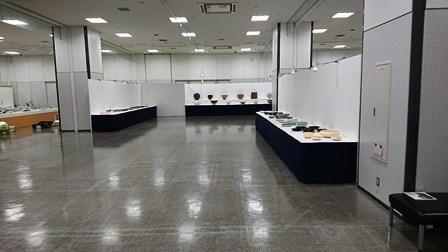 作業日誌(「第25回日本陶芸展九州展」作品搬入展示作業)_c0251346_16064192.jpg