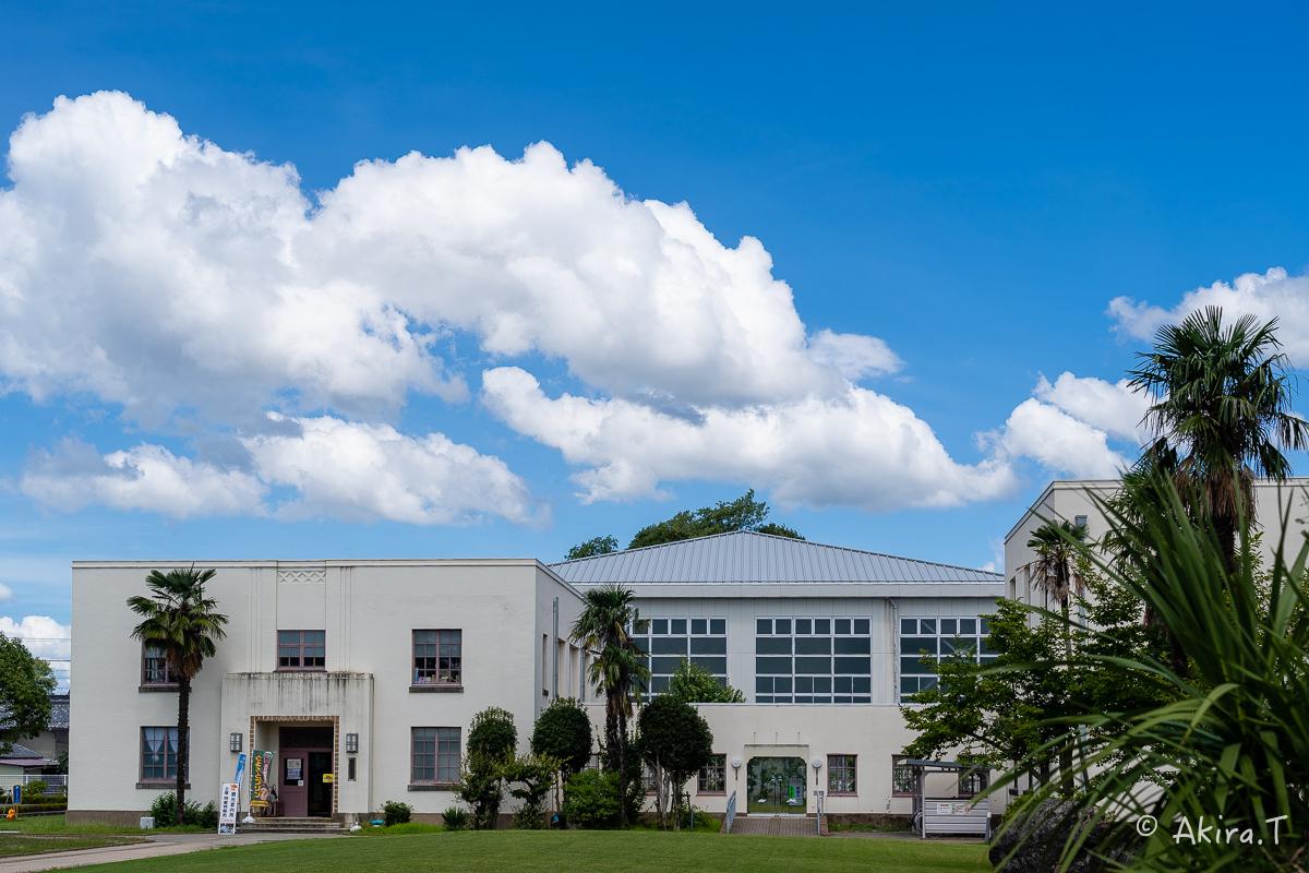 豊郷小学校..._f0152550_23083757.jpg