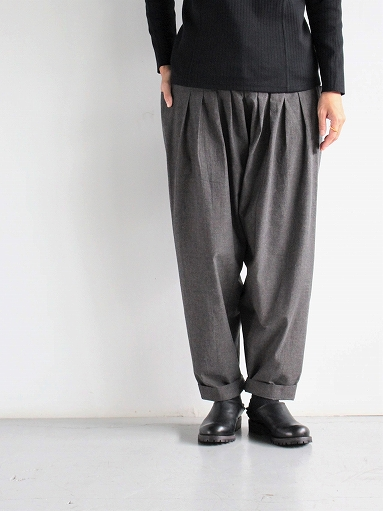 THE HINOKI Cotton Horse Cloth 5Tuck Pants / Charcoal Brown_b0139281_1445136.jpg