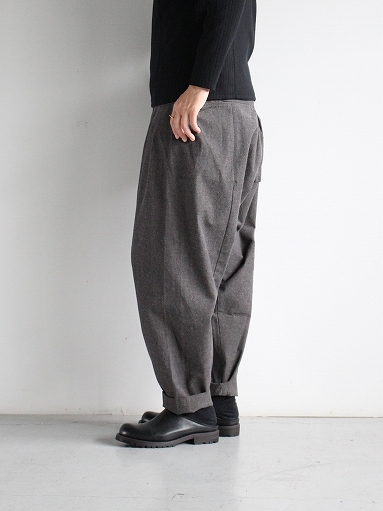 THE HINOKI Cotton Horse Cloth 5Tuck Pants / Charcoal Brown_b0139281_14452493.jpg