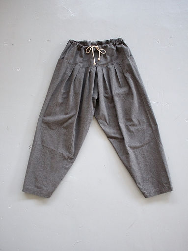 THE HINOKI Cotton Horse Cloth 5Tuck Pants / Charcoal Brown_b0139281_14455187.jpg