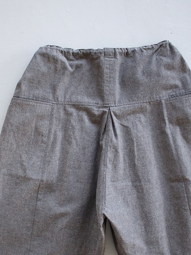 THE HINOKI Cotton Horse Cloth 5Tuck Pants / Charcoal Brown_b0139281_1446141.jpg