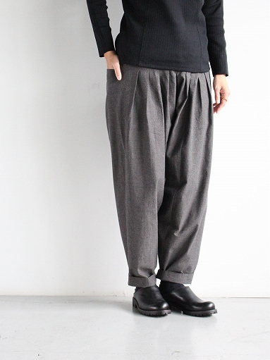 THE HINOKI Cotton Horse Cloth 5Tuck Pants / Charcoal Brown_b0139281_14462622.jpg