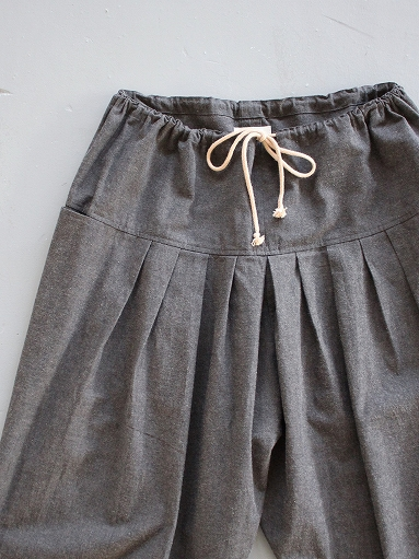 THE HINOKI Cotton Horse Cloth 5Tuck Pants / Charcoal Brown_b0139281_1446440.jpg