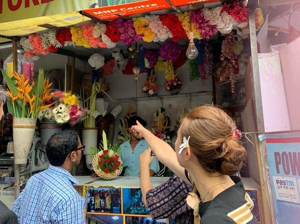 インドの花材で、生け花デモンストレーション_a0101801_23412426.jpg