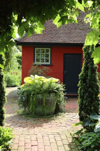 イギリスの旅3日目 ガーデンツアー 2日目 Wyken Vineyardsその1_e0194723_22135190.jpg