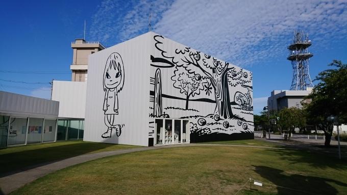 十和田市現代美術館アート広場_c0350439_23132414.jpg