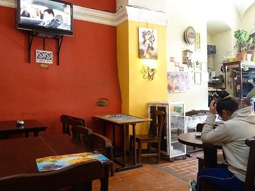 ラパスのレストランでリャマのフィレステーキ_c0030645_09502123.jpg