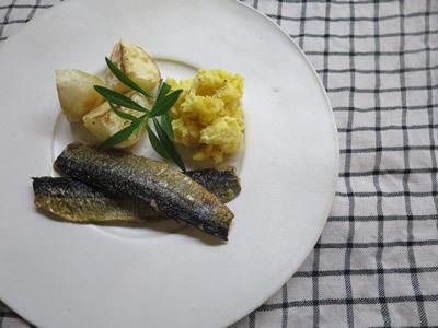 冷凍秋刀魚_e0262651_19064705.jpg