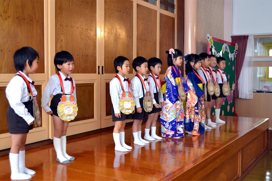 上宮第一幼稚園「お誕生会」_d0353789_15584452.jpg