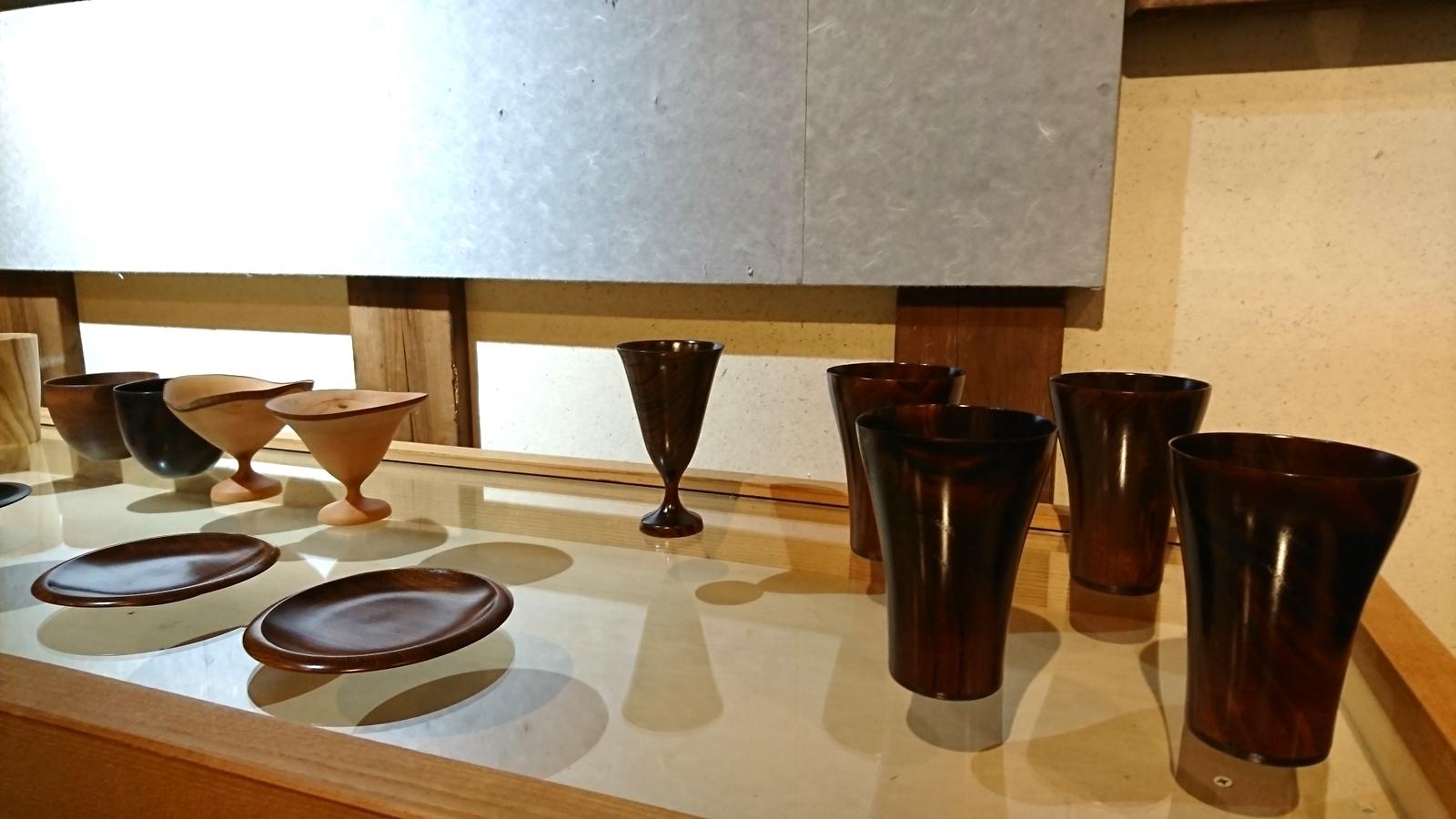 今日からの山崎修さんの木の器展はこんな感じ。_e0046190_18060596.jpg