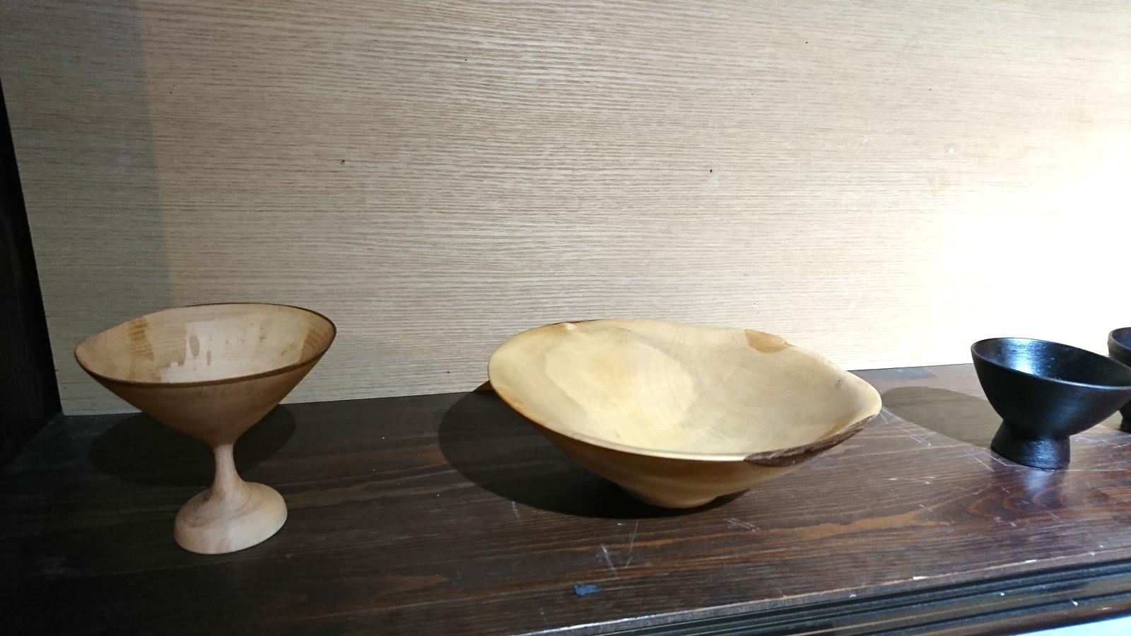 今日からの山崎修さんの木の器展はこんな感じ。_e0046190_18062579.jpg