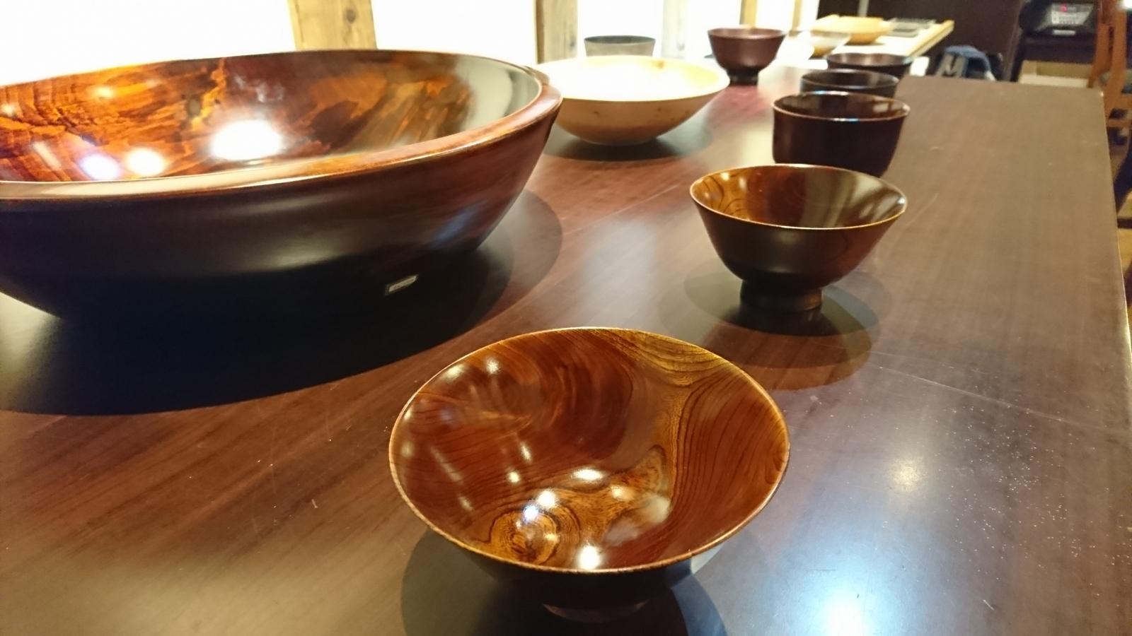 今日からの山崎修さんの木の器展はこんな感じ。_e0046190_18071879.jpg