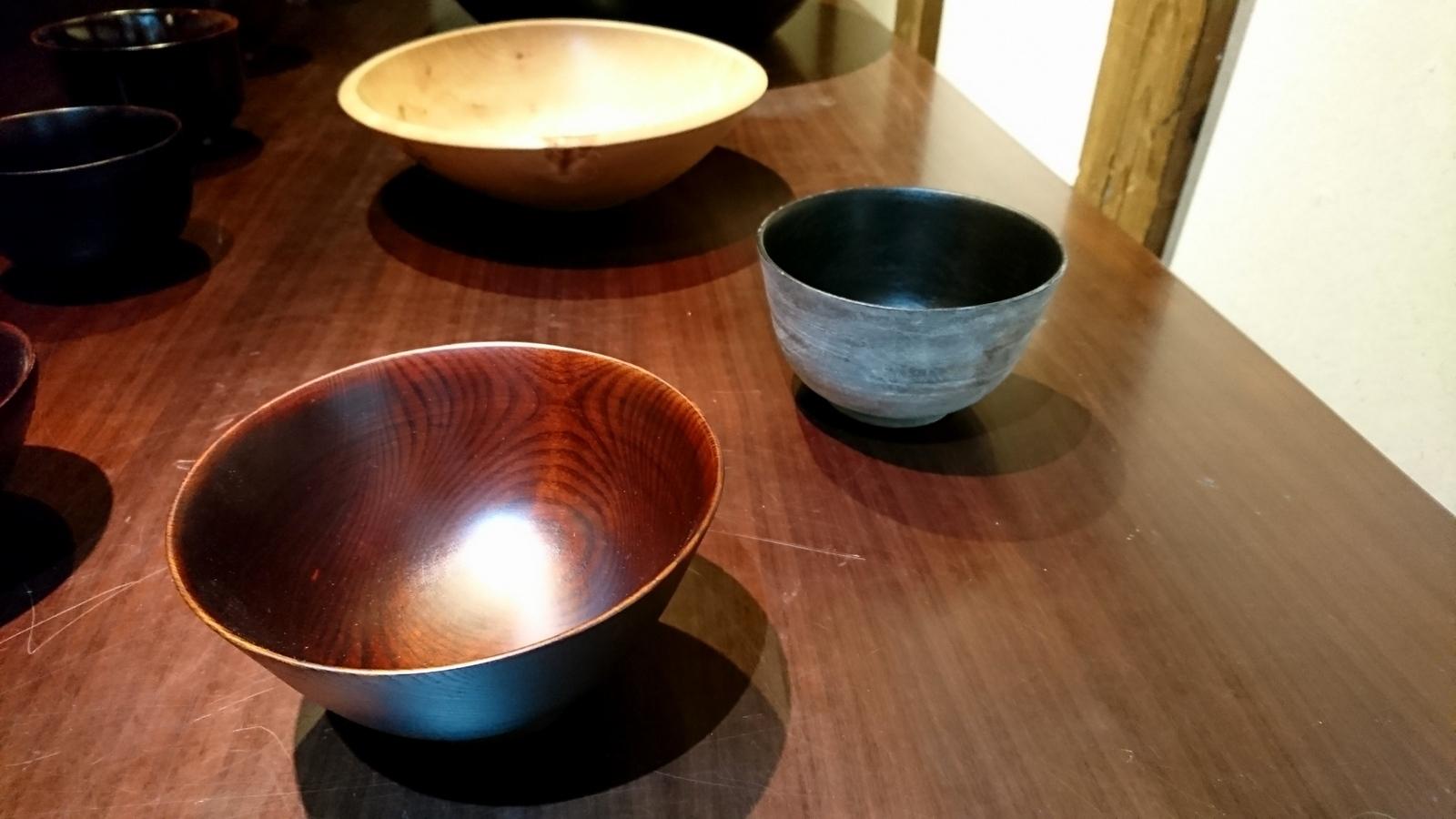 今日からの山崎修さんの木の器展はこんな感じ。_e0046190_18073582.jpg