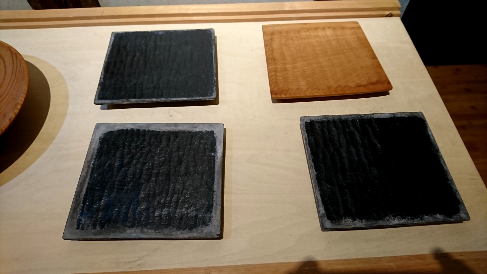 今日からの山崎修さんの木の器展はこんな感じ。_e0046190_18075748.jpg