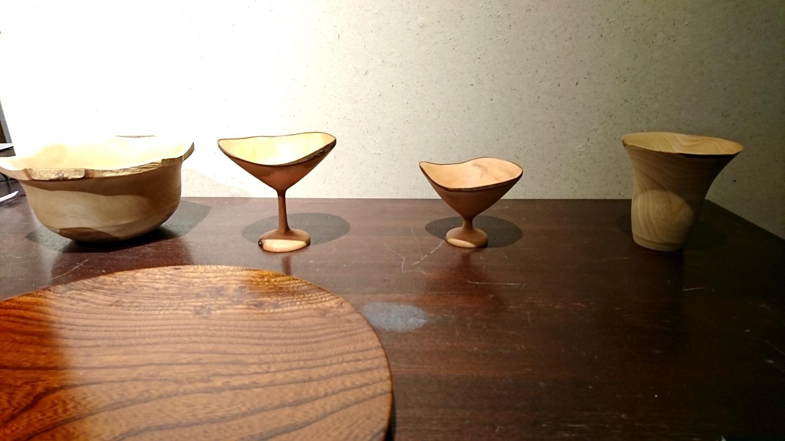 今日からの山崎修さんの木の器展はこんな感じ。_e0046190_18080784.jpg