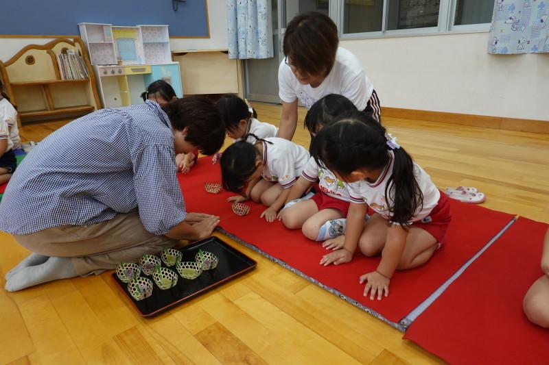 年少組お茶会 にじ組_a0212624_12392616.jpg